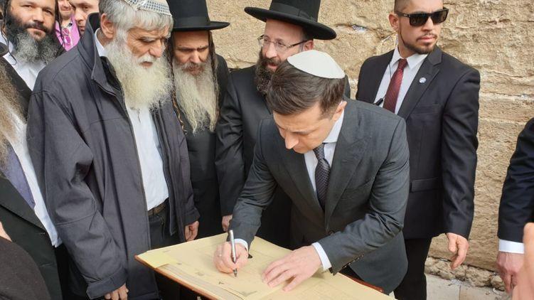 Те, кто пережил Холокост, больше всех заслуживают на участие в официальных церемониях